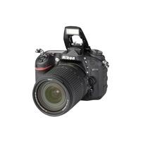 Nikon - D7200 + AF-S DX Nikkor 18-140mm 1:3.5-5.6 G ED VR